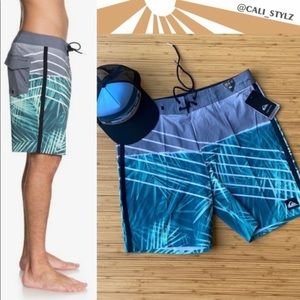 🔷🔹QUIKSILVER HIGHLINE PALMS BOARD SHORTS🔹🔷